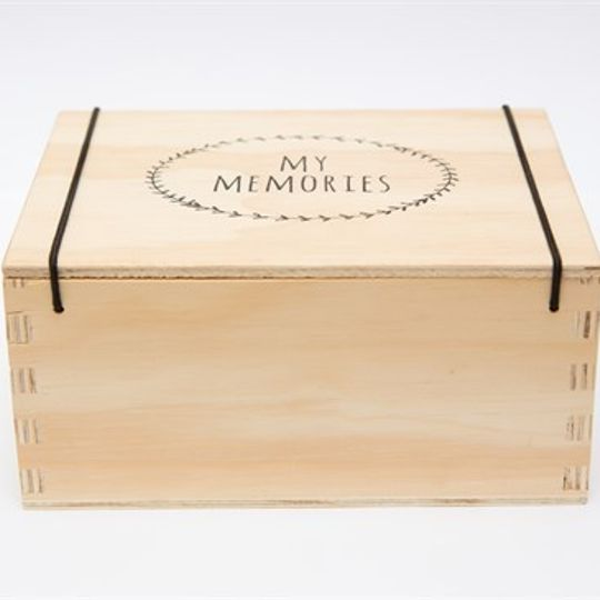 KAMERS Wooden Memory Box With Screen-printed Garland