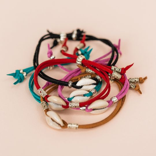 Single Cowrie Shell Bracelet