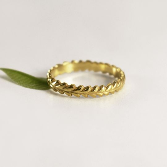 Leafy Wreath Ring - 9ct Yellow Gold