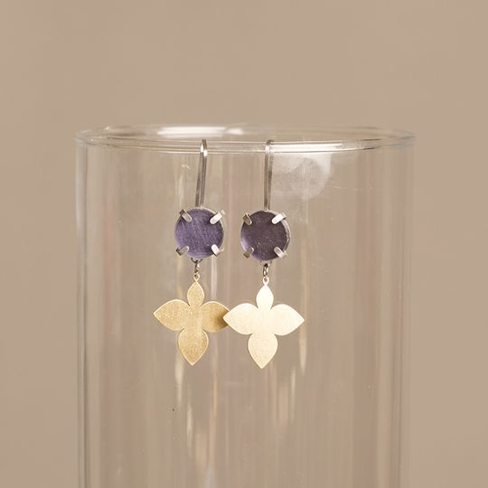 Drops with Fleur de lis - Gemstone studs with Hanging Leaf