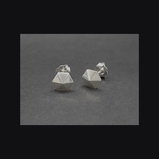 Faceted Hexa Studs
