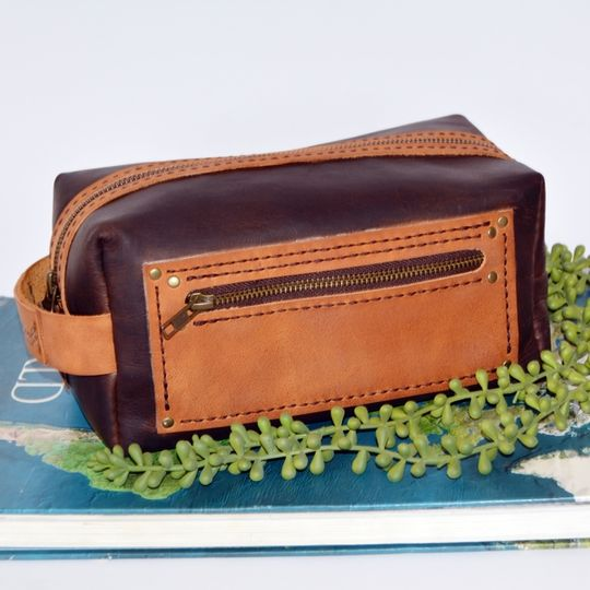 Leather Dopp Kit/Vanity