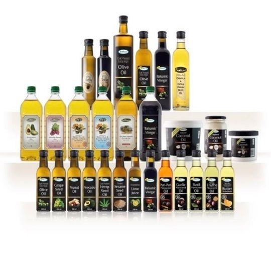 Sesame seed Oil, Garlic oil, Basil, Lime. Peri Peri & Butter substitute (250ml).