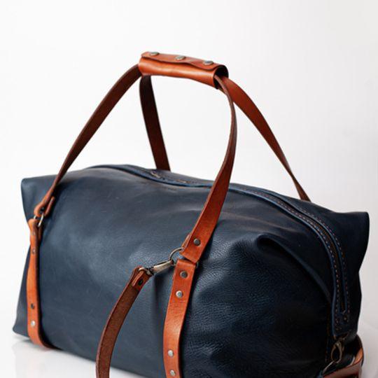 Leather traveller bag – Navy