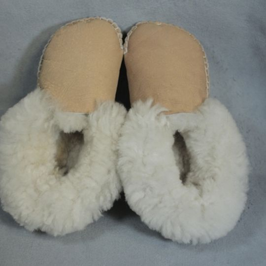 Handmade sheepskin slippers - Mustard