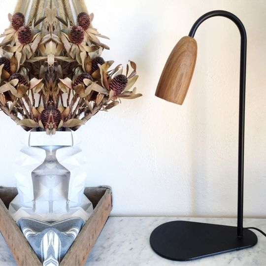 Wood shade lamp