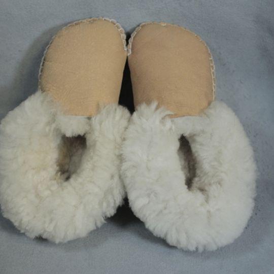 Handmade sheepskin slippers - TAN