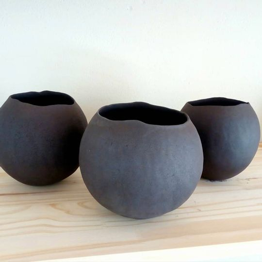 black vessel