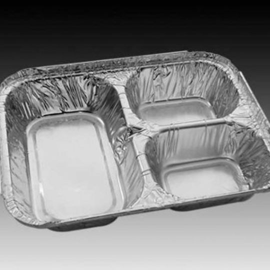 W3DIV- The three-division aluminium foil container comes with an optional laminated board lid