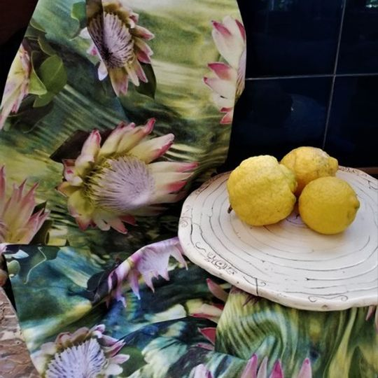 Proteas Floating: Table Cloth / Per Meter