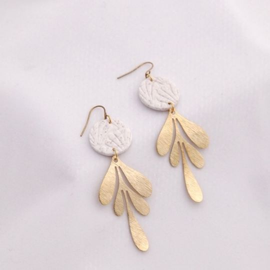 The Floral Dangle Earrings