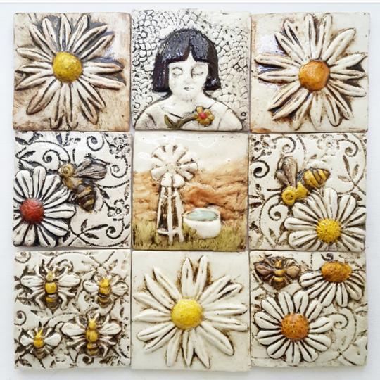Tile, daisy theme with windmill