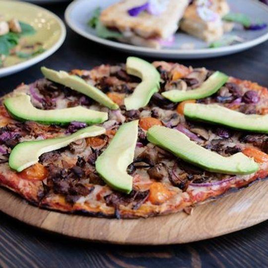 Vegan BBQ Jackfruit Pizza