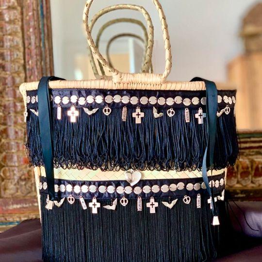 Gootchi Basket Tote Handbag/Peace, Love, Faith