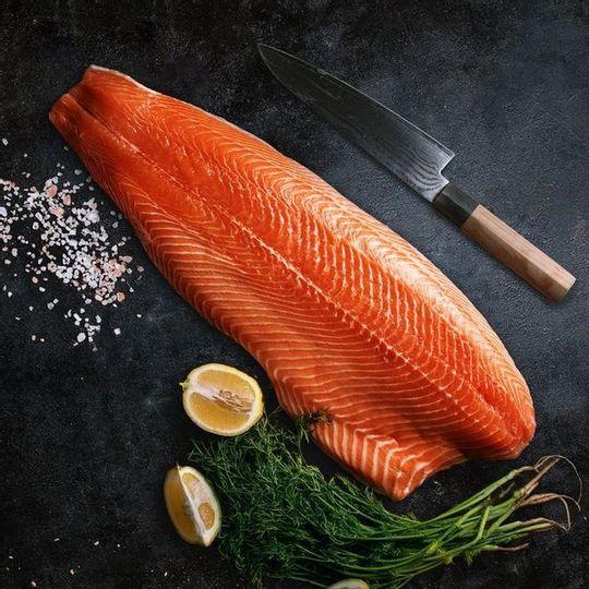 Frozen Norwegian Salmon Fillet (+- 200g)