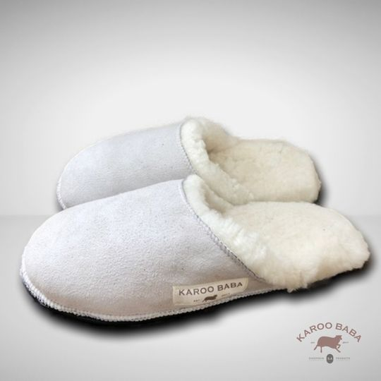 Sheepskin slip-on slippers - natural