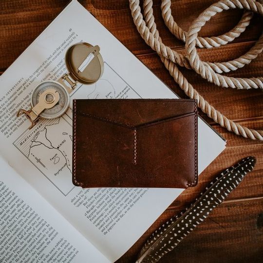 The Passport Holder - Amber
