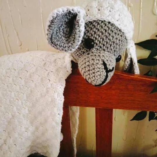 Ou-Ma-Griet Lamb Blanket