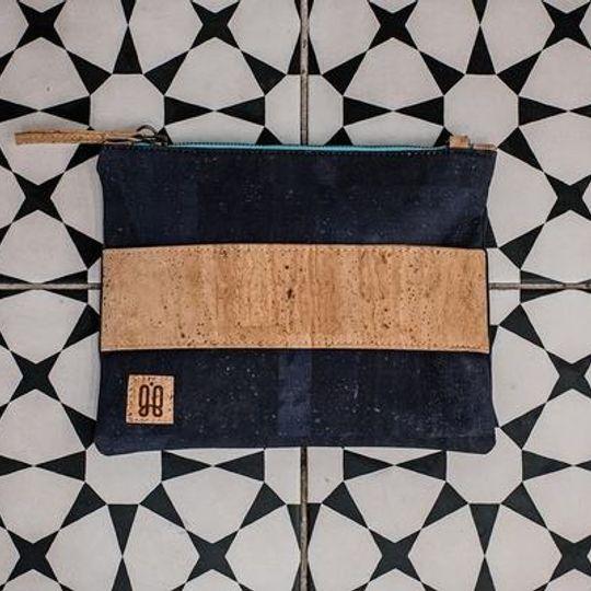 the Bella Sling with plain band