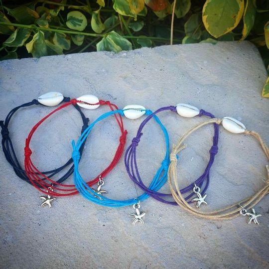 single cowrie shell bracelet