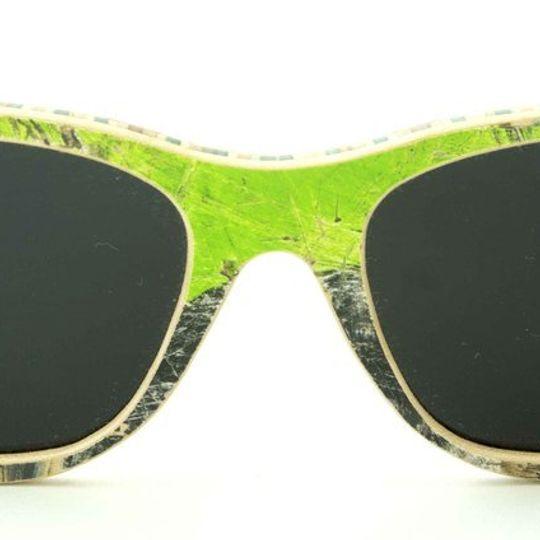 Layback - Black Green