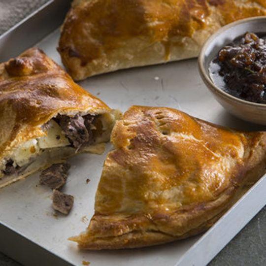 Family Cornish Pie (900g)