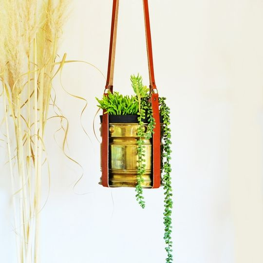 LEATHER POT PLANT HANGER