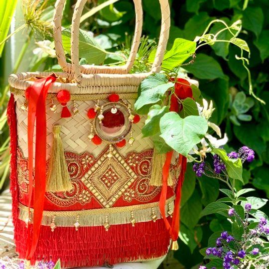 Gootchi Basket Tote Handbag/Red and Gold