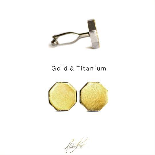 Cufflinks in Gold