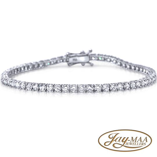 18ct White Gold Diamond Tennis Bracelet - 4.162ct