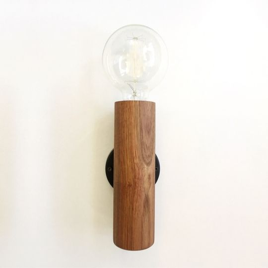 Kiaat wall light