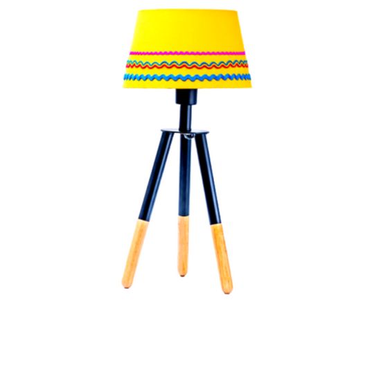 Pedi Tripod Table Lamp